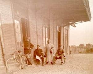Soldats avec bicyclette