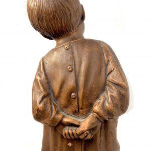Statue de CALENDI en terre cuite signé – Jeune enfant les mains dans le dos