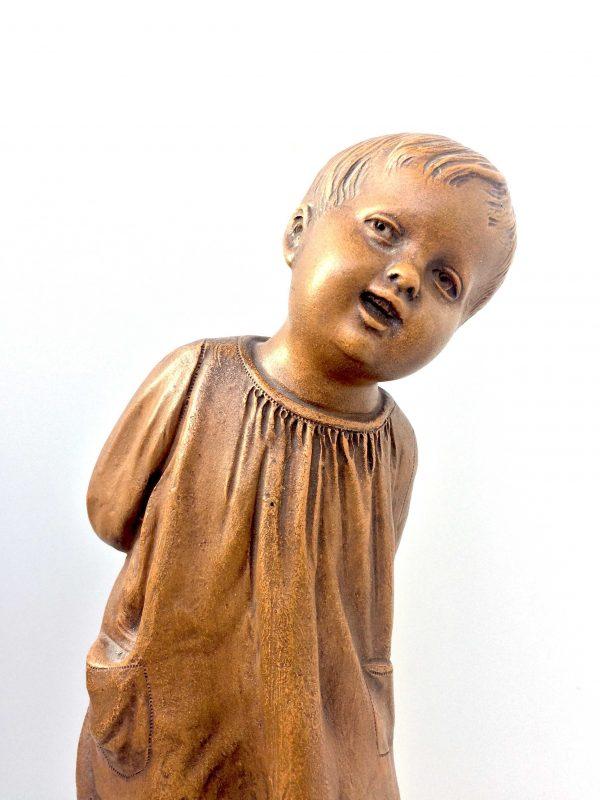 statue petite fille