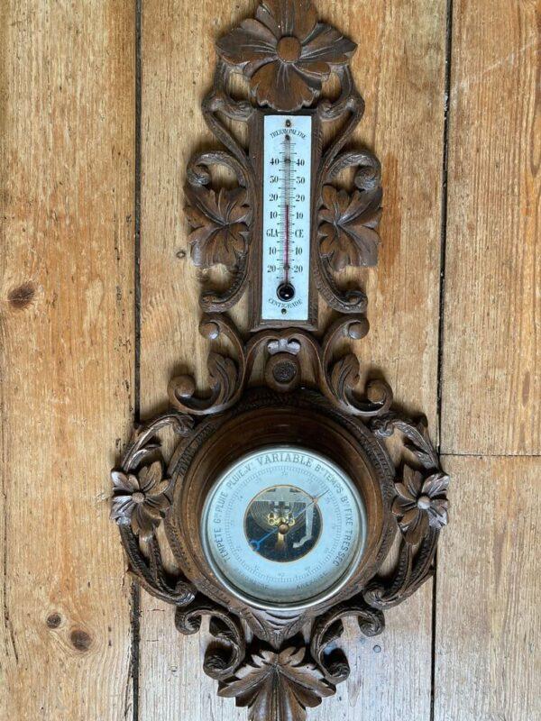 baromètre thermomètre en bois sculpté forêt noire