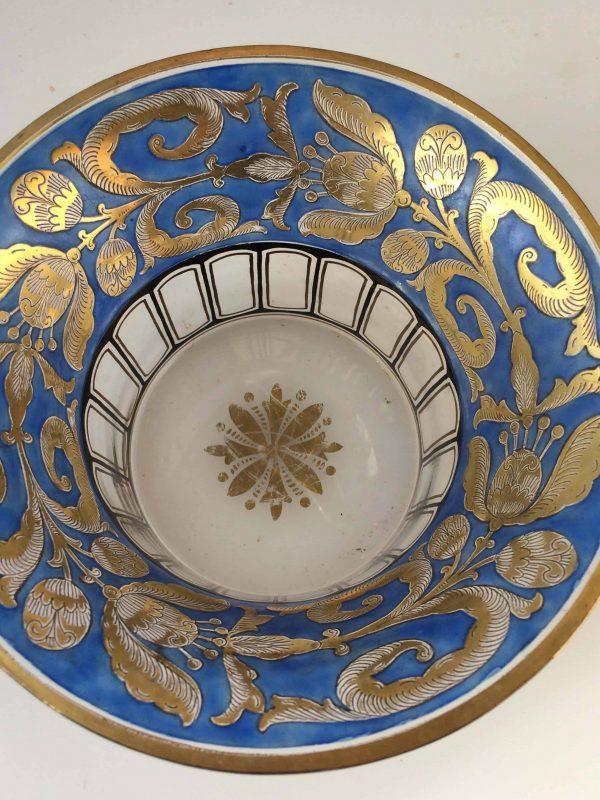 Coupe verre face couleur bleu et or