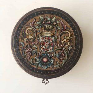 Boite à trésor ancien – ronde en bois avec sa clef