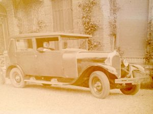 voiture ancienne vers 1930