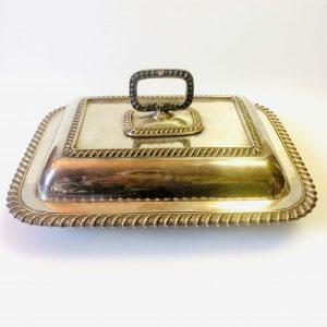 Grand plat de service en métal argenté, poinçon EPNS 150