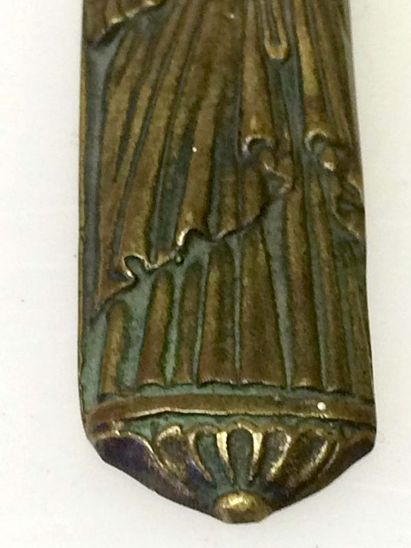 coupe papier en bronze manche Vierge le verrier