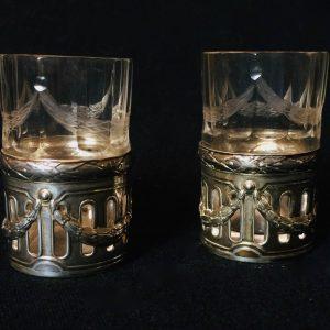 Verre à liqueur en argent et cristal taillé de style Louis XVI