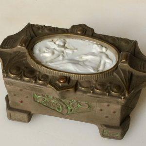 Boite à bijoux – Ange tirant une fléche – Maison RAGOT à Lille