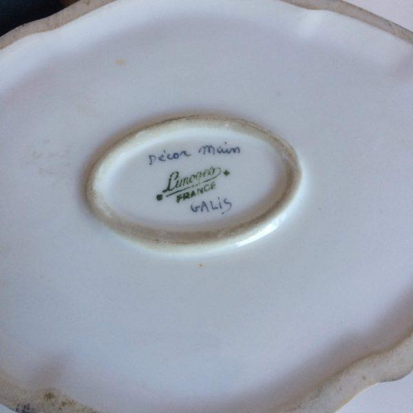 Boite En Porcelaine De Limoges Fleurs Peint Signé Galis Signature