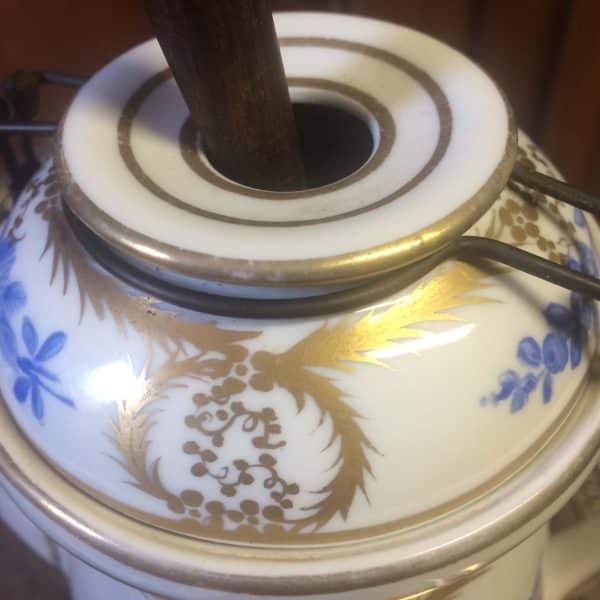 Chocolatière En Porcelaine De Sevres Bouquet De Fleurs Bleues Et Guirlandes Dorés Couvercle 2