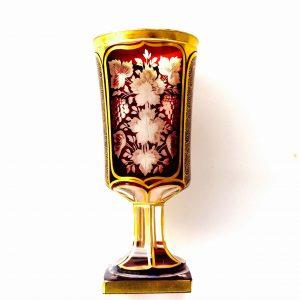 Calice Biedermeier – Coupe sur pied en cristal de bohême rouge et or