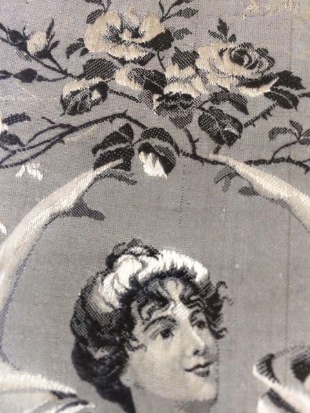 tableau en tissu jacquard bouquet femme art nouveau