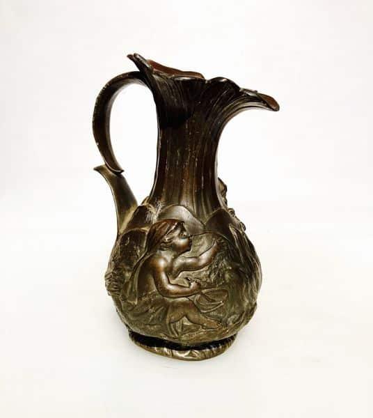 charles perron vase en étain art nouveau coté