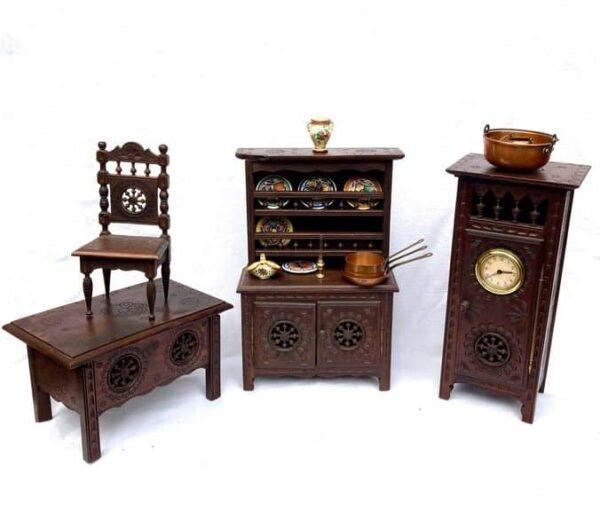 mobilier de poupée breton henriot quimper meubles miniatures anciens