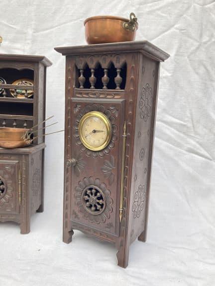 mobilier de poupée breton horloge