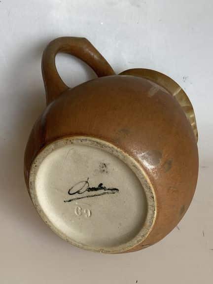pichet en grès flammé signé denbac céramique vierzon signature